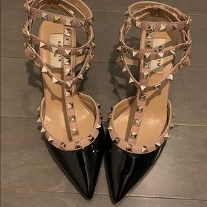 Shoes - Black Patent leather Rockstud mid heels 6.5 or 7